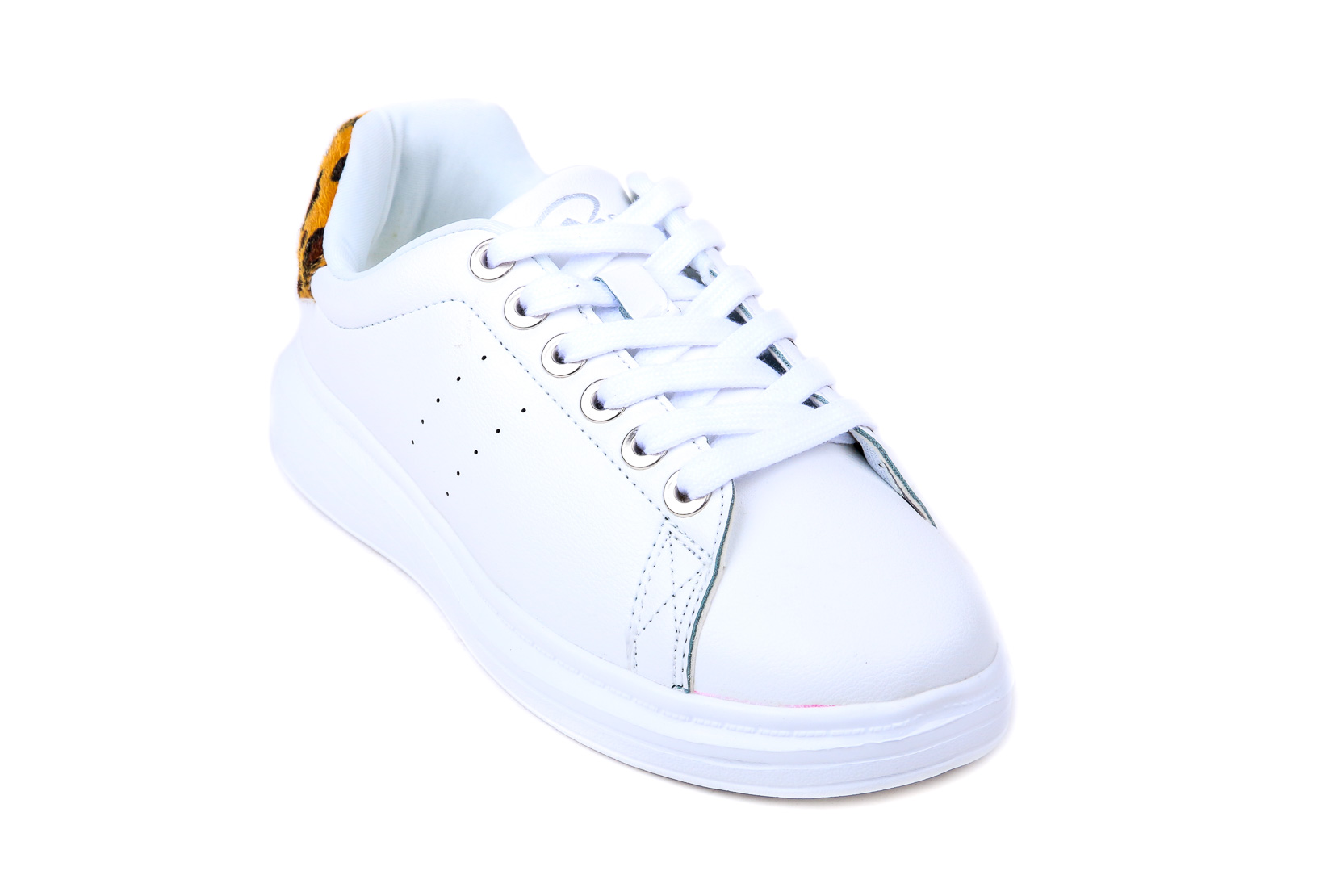 White Color Sneakers Life Style AT7028